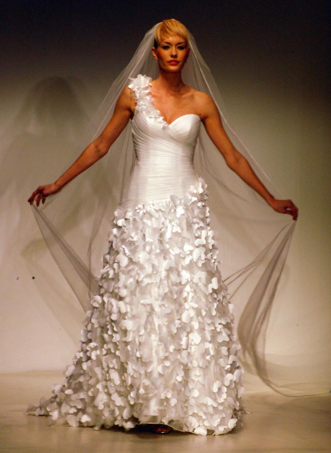 Rapunzel Wedding Gown Unveiled During Bridal Fashion Week – Disney ...