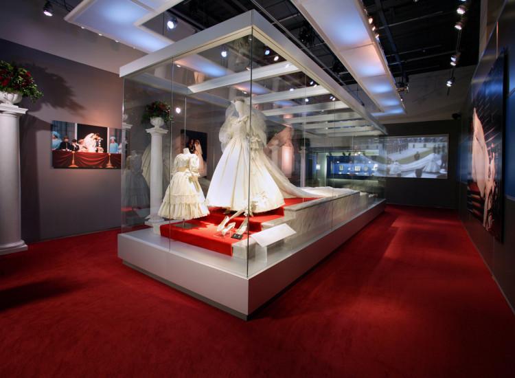 Lady diana wedding dress exhibit